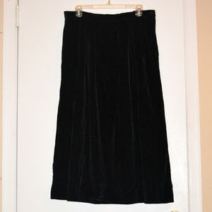 Black Velvet Maxi Skirt w Pockets